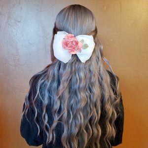 Adorable vintage hair bow
